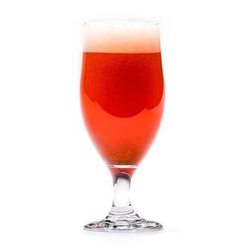 Tradisjonelt norsk juleøl i glass. Kobber farge